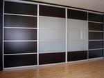живописни черни гардероби гланц